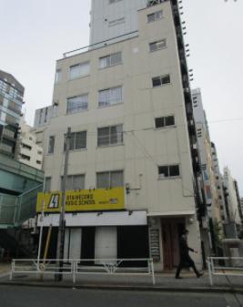 渋谷駅 徒歩5分 1F 物販最適!明治通り沿い角地の路面店舗物件 【飲食不可】外観