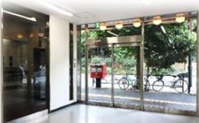東大前駅 徒歩2分 1F  駅近!本郷通り沿い前面ガラス張りの路面店舗物件【飲食不可】 画像3