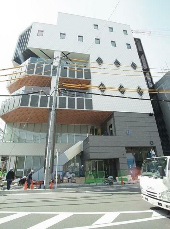 小田急線・JR暗部線 登戸駅 徒歩1分 1,2階はパチンコ・スロットのアミューズメントビル 築後未入居【飲食可】 画像0