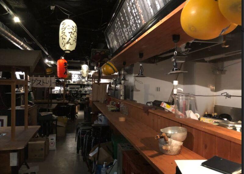 新橋駅 徒歩2分 現況:おでん屋 裏コリドー2階の居抜き物件 【何業も可】 画像1