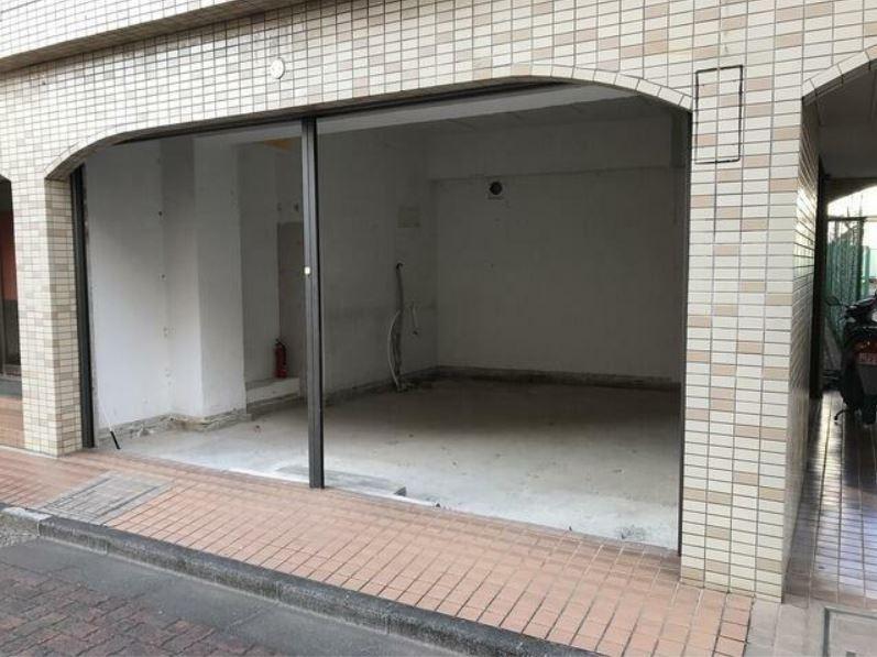 東横線 大倉山駅 徒歩2分 マンションの1階にある スケルトン物件 【飲食不可】 画像3