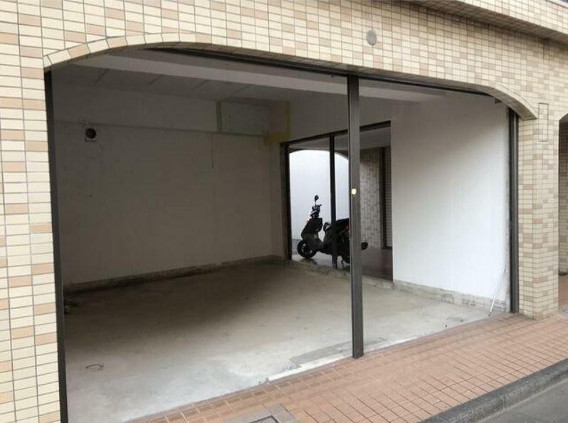 東横線 大倉山駅 徒歩2分 マンションの1階にある スケルトン物件 【飲食不可】 画像4