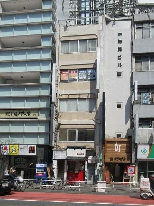 新宿駅 徒歩3分 大ガード下交差点か3軒目 サービス店舗居抜き 【飲食不可】 画像0